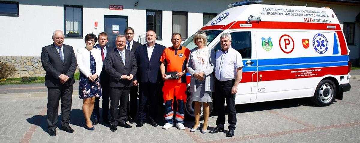 Nowy samochódpogotowiaratunkowegodlaZespołuWyjazdowegoPaństwowego Ratownictwa Medycznego w Jabłonce