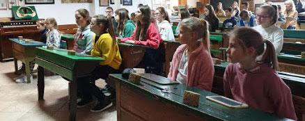 Laureaci i uczniowie wyróżnieni w konkursach w ramach obchodów 100-lecia Odzyskania Niepodległości przez Polskę na wycieczce na Górny Śląsk
